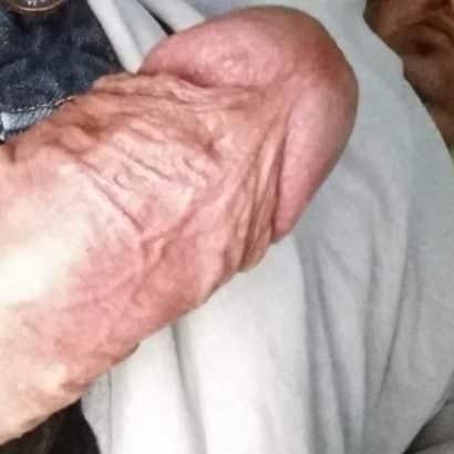 Adrigen Penis zeigen