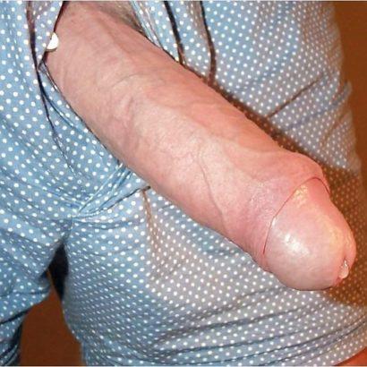 Riesen Penis mit Lusttropfen