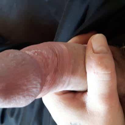 Schwanzfotos in der Hand am wichsen