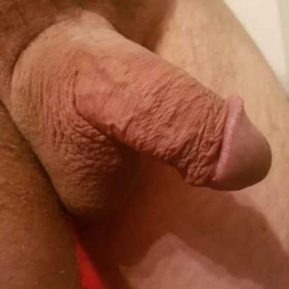 schlaffer Penis und Hoden