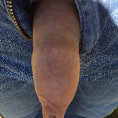 Mini Pimmel aus der Hose